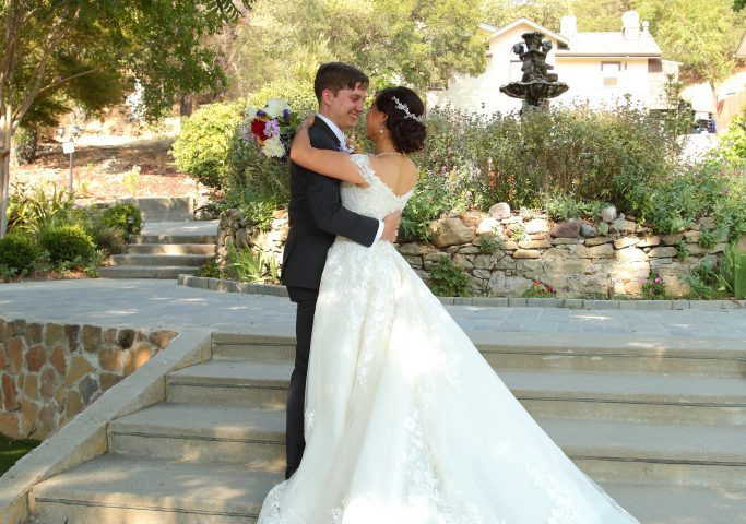 Reselling Wedding Dress - Hsiao-Tieh and Steven